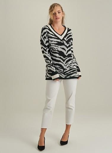 NGSTYLE Zebra Desenli Kazak Siyah